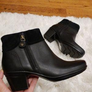 Clarks  Women's Emslie Twist Leather Booties